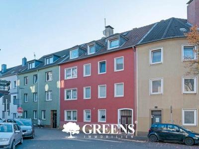 Ein solides Mehrfamilienhaus in rot