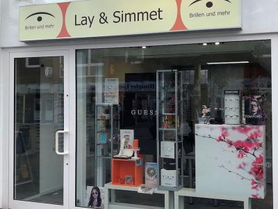 Lay & Simmet