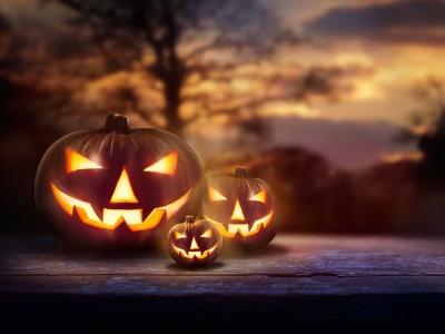 Halloween Kürbisschnitzen