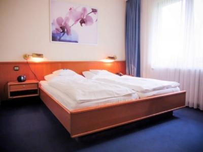 """Hotel """"Zur Flora"""""""