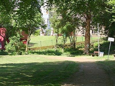 "Boule-Bahn im ""John-Steinbeck-Park"""